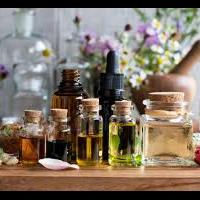 cara-membuat-parfum-beraroma-floral-fruity-menggunakan-essential-oil