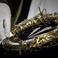 mahkota-duri-yang-dipakai-yesus-diselamatkan-dari-kebakaran-gereja-notre-dame