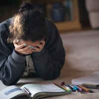 tugas-kuliah-bejibun-jangan-stress-gan