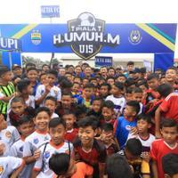 dukung-pembinaan-sepakbola-humuh-muchtar-gelar-kompetisi