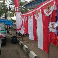 jualan-bendera-jadi-peluang-bisnis-di-bulan-agustus