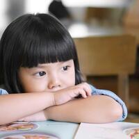 stimulasi-yang-sangat-kuranglah-penyebab-utama-keterlambatan-bicara-pada-anak