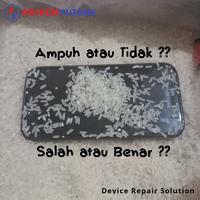 jangan-salah-langkah-ini-solusi-apabila-handphone-anda-terkena-atau-terendam-air