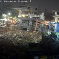 jakarta-hujan-semalam-sampah-menumpuk-di-pintu-air-manggarai