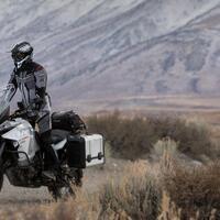 10-macam-tas-motor-terbaik-yang-bisa-kamu-beli-untuk-bepergian-jarak-jauh