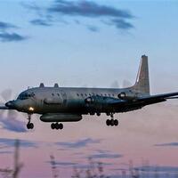 bomber-b-52-as-terbang-di-dekat-pangkalan-kapal-selam-rusia