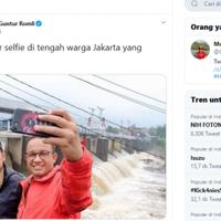 bantah-tebarhoaksguntur-romli-lho-memang-mereka-selfie-foto-pas-warga-kebanjiran