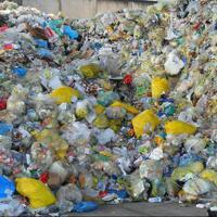 gunungan-sampah-plastik-yang-meresahkan-mampukah-disulap