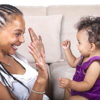 parentese-untuk-kemampuan-bicara-dan-bahasa-bayi
