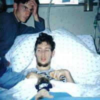 pria-ini-koma-12-tahun-dan-ibunya-berbisik-mengharapkan-kematiannya-segera