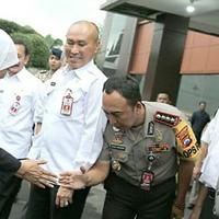 gaya-santun-sosok-pemimpin-tertinggi-polisi-surabaya