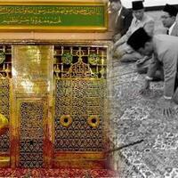 presiden-sukarno-merangkak-hampiri-makam-rasulullah-saw-dan-islam-sontoloyo