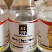 pks-bagikan-hand-sanitizer-gratis-untuk-warga-cilegon-kok-ada-foto-kader