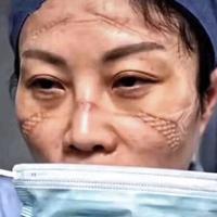 potret-wajah-perawat-setelah-berjam-jam-berjuang-melawan-corona