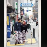 viral-foto-pakai-baju-adat-jawa-di-jepang-bikin-turis-terkesima