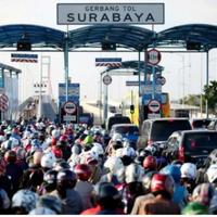 fenomena-kepadatan-kendaraan-di-gerbang-suramadu-sebagai-tradisi-toron-saat-idul-adha
