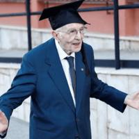 giuseppe-paterno-si-peraih-gelar-sarjana-di-usia-yang-nyaris-100-tahun