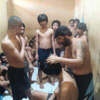 rasa-peduli-polsek-medan-helvetia-kepada-para-tahanannya-dengan-cara-mencukur-rambut