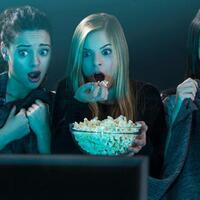5-alasan-banyak-orang-suka-film-horor