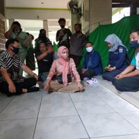 anggota-dprd-ahmad-lukman-jupiter-berikan-bantuan-ke-warga-korban-kebakaran