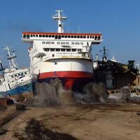kapal-mewah-dibiarkan-membusuk-di--kuburan--kapal-pesiar-akibat-covid-19