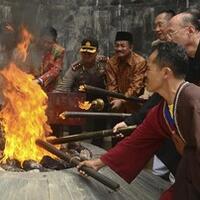 situs-api-abadi-mrapen-legenda-dua-kerajaan-hingga-obor-asia