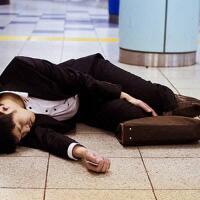 karoshi-kematian-akibat-kelelahan-dalam-bekerja