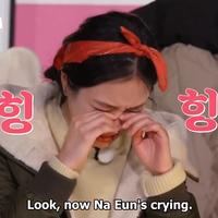 na-eun--so-dam-menangis-di-camping-vibes