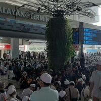 bandara-soekarno-hatta-perketat-keamanan-pagi-ini-rizieq-shibab-tiba-di-tanah-air