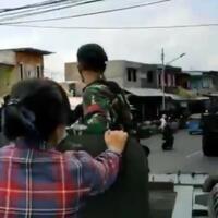 demonstran-penolak-habib-rizieq-dan-massa-fpi-nyaris-bentrok-di-karawang