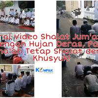 viral-video-shalat-jum-at-di-tengah-hujan-deras-para-jama-ah-tetap-shalat-khusyuk