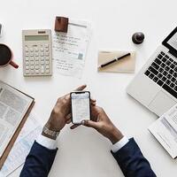 perbedaan-trader-pengguna-analisis-fundamental-dan-teknikal