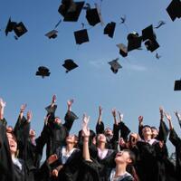 pass-by-catastrophe-mitos-lulus-dengan-gelar-sarjana-tanpa-mengerjakan-skripsi