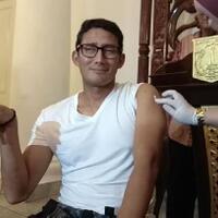 foto-tokoh-dan-publik-figur-suntik-vaksin-update
