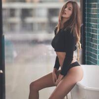 model-sexy-sepanyol-tak-bisa-berhenti-memikirkan-cristiano-ronaldo