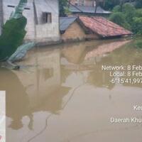 4-rw-terdampak-ketinggian-banjir-di-cililitan-hingga-atap-rumah-warga