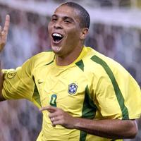 striker-terbaik-di-awal-2000an-versi-ane