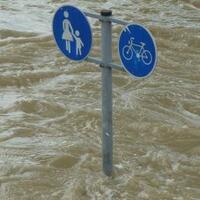 ratusan-warga-jaktim-terdampak-genangan-air-hujan-sejak-dini-hari-tadi