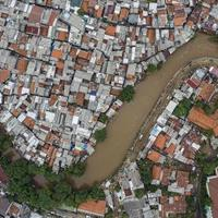 banjir-jakarta-338-meter-kubik-sampah-diangkut-dari-sungai-ciliwung