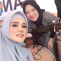 potret-busana-couple-nissa-sabyan-dan-ayus-yang-jadi-sorotan-netizen
