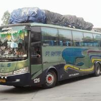 7-ciri-khas-bus-bus-sumatera-mulai-debu-sampai-jalur-ekstrim