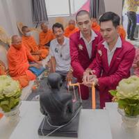 pernikahan-gay-thailand-dihujat-netizen-indonesia-ini-kata-sang-pengantin