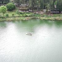 melihat-keindahan-danau-lau-kawar-di-kaki-gunung-sinabung