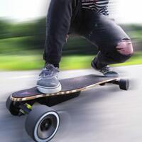 e-board-olahraga-ekstrim-yang-bisa-jadi-alternatif-saat-macet-tapi-bukan-solusi