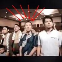 viral-video-ustadz-felix-siauw-mingkem-tak-nyanyi-indonesia-raya-lihat-bibirnya