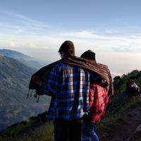 naik-gunung--capek-atau-bikin-candu