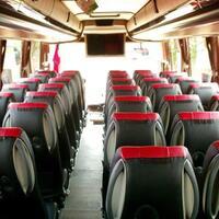 kenapa-di-indonesia-jumlah-bangku-bus-lebih-banyak-di-sebelah-kanan