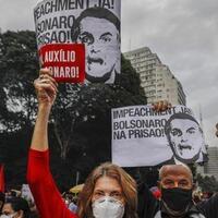 presiden-brasil-digeruduk-massa-usai-angka-kematian-covid-19-capai-500-ribu