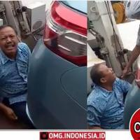 jangan-parkir-sembarangan-viral-seorang-bapak-nangis-sebab-mobil-diderek-petugas