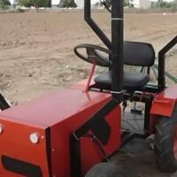 canggih-tak-perlu-bahan-bakar-minyak-traktor-petani-ini-gunakan-tenaga-dari-alam